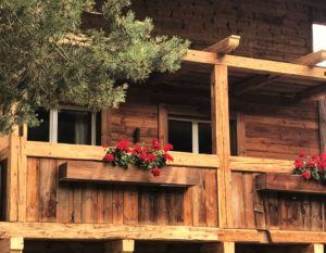 Baumhaus-Flair im Chalet Tannenhof - Die Sonne bis spät abends genießen