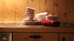 """Urlaub in den Bergen und eine herrliche Tasse Tee aus Gmundner Keramik ist wunderbar auch im gemütliches Studio """"klein-fein"""""""