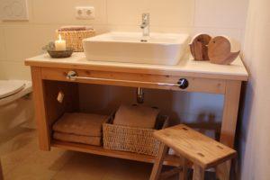 Das wohnliche Badzimmer im Chalet Tannenhof