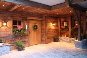 Chalet Tannenhof - Eingangsbereich mit Atmosphäre und Liebe zum Detail